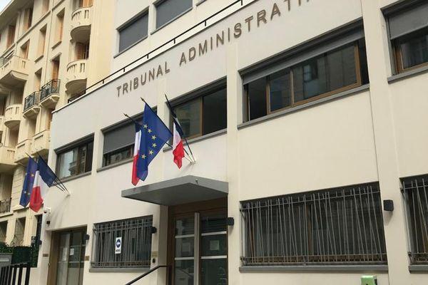 Des particuliers azuréens ont décidé de contester devant le tribunal administratif de Nice la décision préfectorale de rendre obligatoire le pass sanitaire dans certains centres commerciaux.