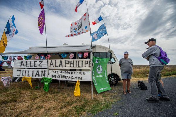 Des supporters sur la première étape entre Clermont-Ferrand et Saint-Christop-en-Jarez - Photo d'illustration