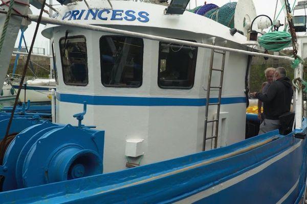 Le bateau Viking Princess qui doit suivre Arnaud Chassery pour son 2 Way