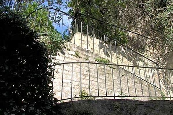 L'escalier médiéval de la rue de Geôle