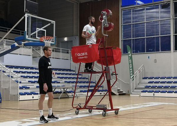 Le capitaine Philippe Tuitoga et Quentin Marion le coach du REC volley