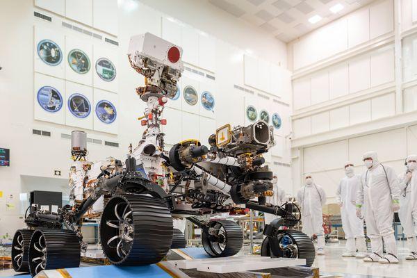 """Premier test de conduite du rover au """"Propulsion Laboratory"""" de la NASA (2019)"""