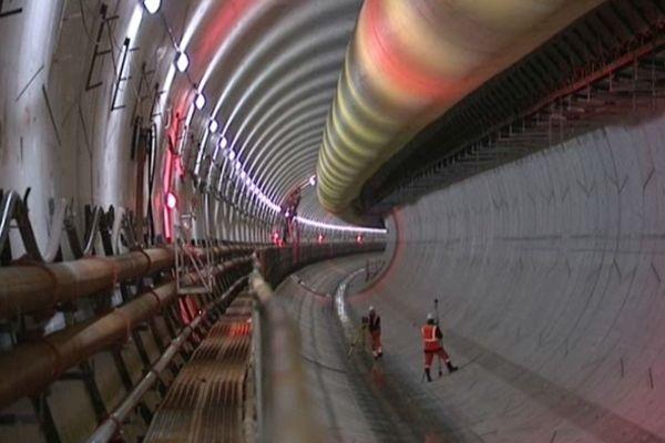 Le tunnel de Saverne est le premier en France à satisfaire aux nouvelles normes de sécurité ferroviaire de 2007.