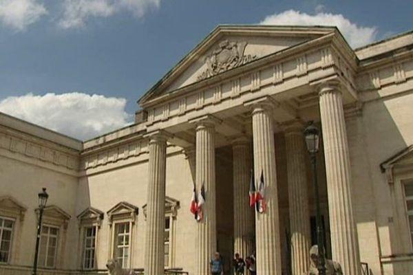 Palais de justice Orléans