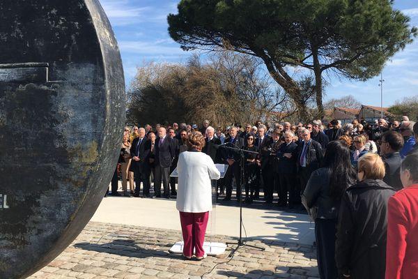 A La Rochelle, la cérémonie d'hommage à Michel Crépeau, organisée 20 ans après sa mort, s'est déroulée sur le Vieux Port.