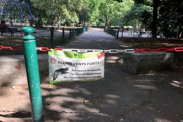 Le parc du Contades fermé par mesure de précaution ce samedi 1er Août 2020.