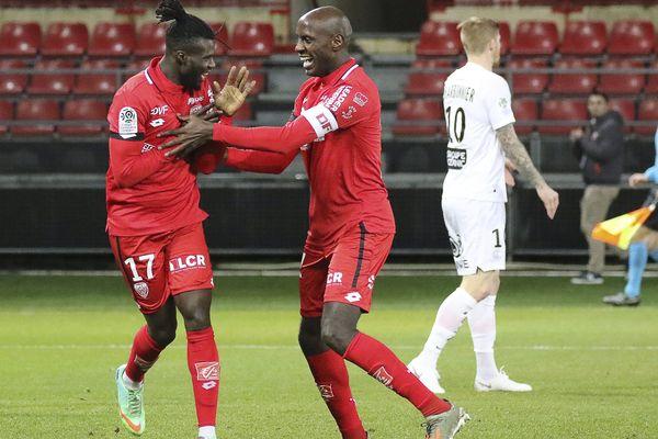 La joie des Dijonnais après le premier but de Baldé contre le Stade brestois.