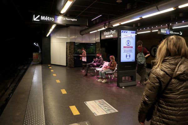 Lundi 2 novembre les métros étaient étaient remplis à 40% de leur charge habituelle.