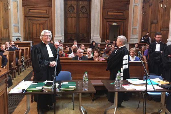 Environ une cinquantaine de plaignants présents pour cette nouvelle étape judiciaire.