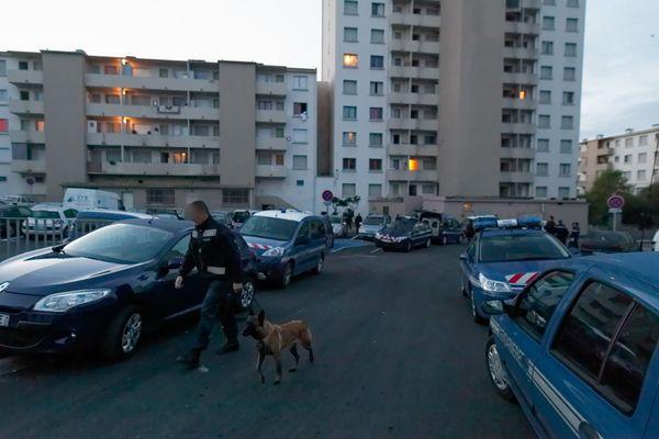 Intervention gendarmerie quartier des Oeillets à Toulon - Archives