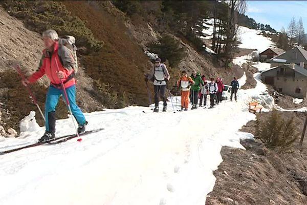 La randonnée nordique, une pratique accessible et conviviale.