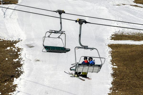 Le changement climatique impacte déjà l'activité des stations de ski dans les Alpes.