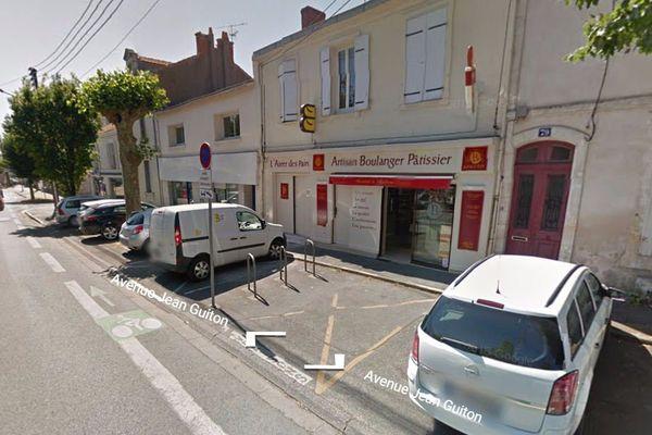 Ce boulanger de La Rochelle qui s'était fait dérober son véhicule de livraison le samedi, l'a retrouvé le dimanche.