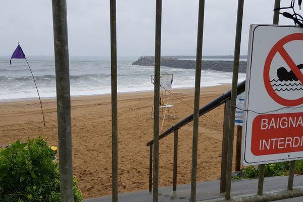 La baignade reste interdite sur les plages d'Anglet ce samedi 27 juillet 2019.