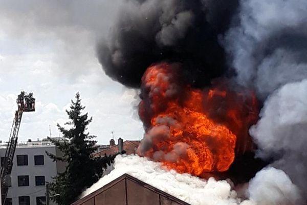 Le feu a été capturé par une riveraine.