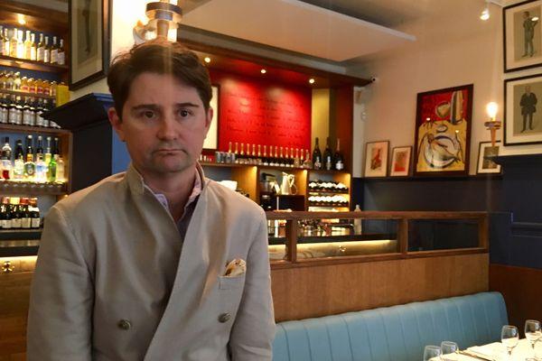 Oliver, le patron d'un restaurant de la rue Monsigny, dans le deuxième arrondissement de Paris, lieu de l'attaque au couteau, le 12 mai 2018.