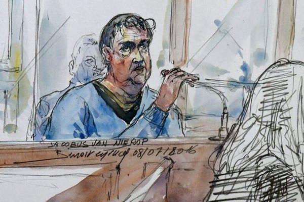 Jacobus Marinus Van Nierop est jugé pour avoir mutilé une centaine de patients dans la Nièvre entre 2008 et 2012.