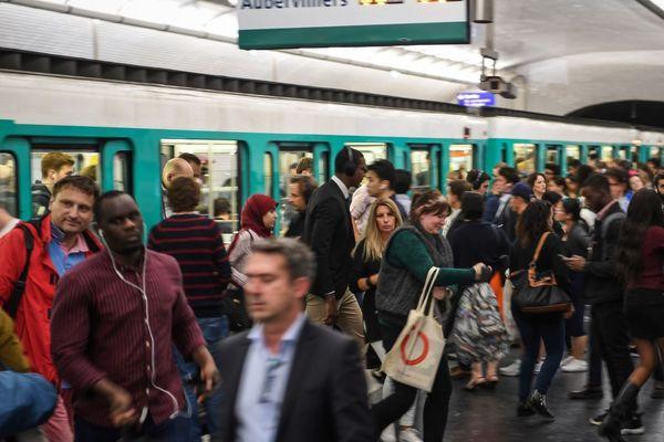 La grève qui perturbe les transports franciliens ce vendredi 13 est inégalée par son ampleur depuis 12 ans (illustration).