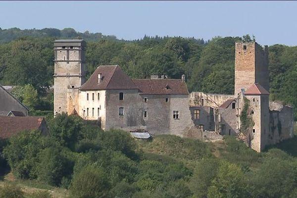 Le château médiéval d'Oricourt, en Haute-Saône