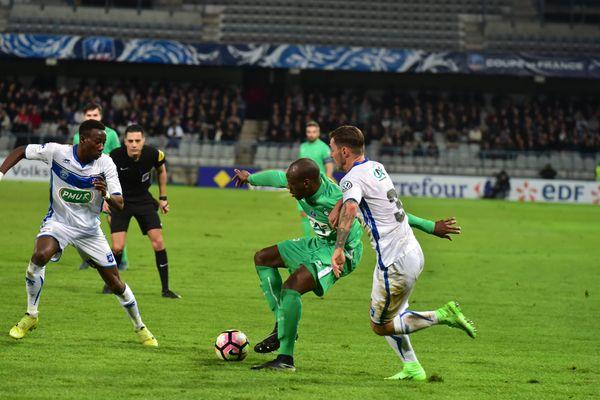 Avec trois buts en prolongation, Auxerre élimine Saint-Étienne en 16e de la Coupe de France de football.