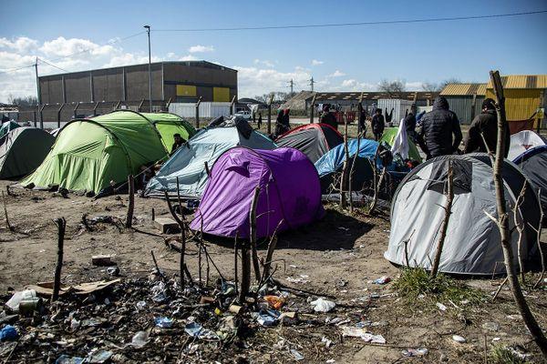 Des tentes de migrants en mars 2020.