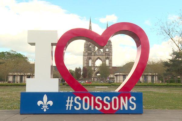 Vue de la cathédrale de Soissons,(illustration)