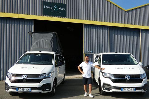 David Oppein a acheté 4 vans qu'il a ensuite fait aménager par une entreprise du Loir-et-Cher Van Factory