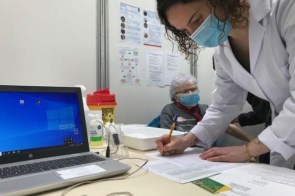 Centre de vaccination de La Roche-sur-Yon, mars 2021