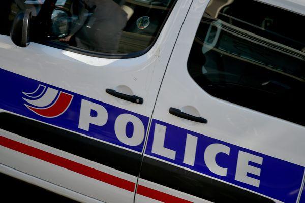 Ce dimanche 21 juin, dans l'après-midi un équipage de motards de la Police nationale interpellait le conducteur d'une moto-cross sur la commune de St Peray, dans la Drôme