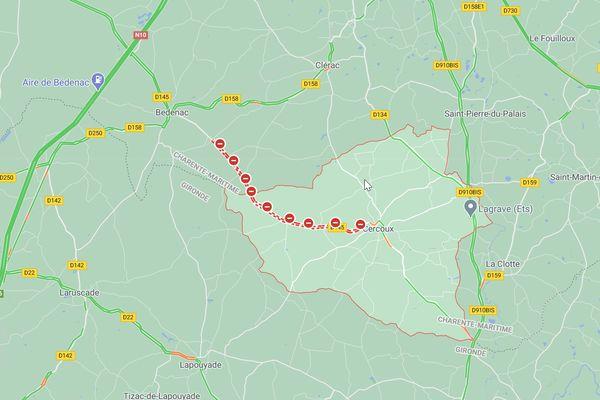 Route RD 145 fermée à la circulation - CERCOUX (17) - feu forêt