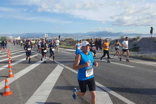 14.000 coureurs participent à l'édition 2016 du marathon Nice-Cannes