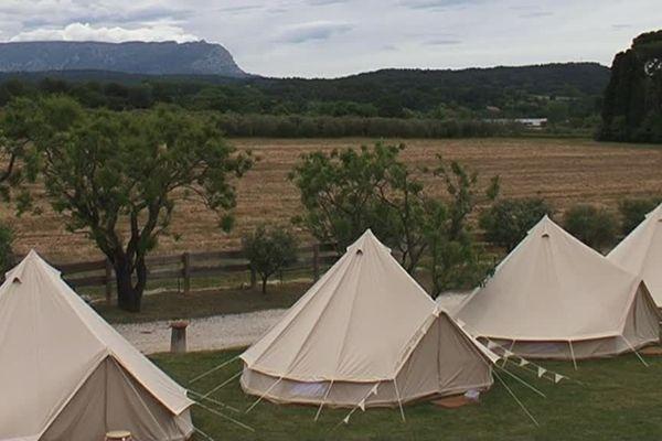 Des tentes 8 places prêtes à l'emploi en location