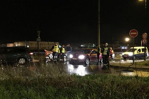 Contrôles nocturnes d'alcoolémie et de stupéfiants à la sortie du Hangar à Bananes dans l'Île de Nantes