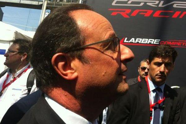 Le président François Hollande a été sifflé sur le ciurcuit des 24 heures du Mans