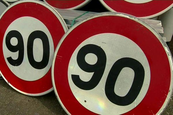 Ces panneaux pourraient bien reprendre du service sur les routes de Charente.
