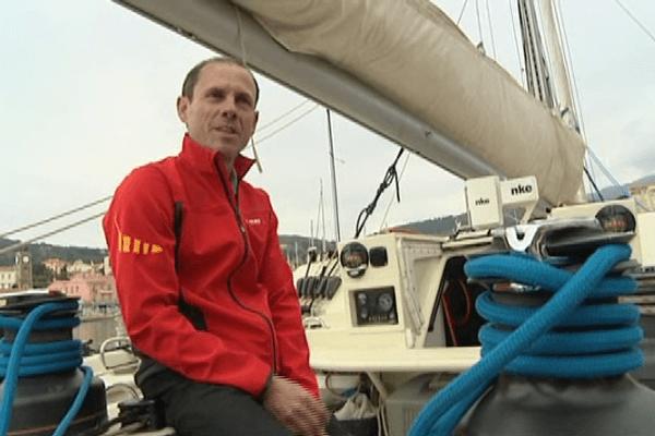 Eric Jail qui a pu amené son bateau jusqu' à Pointe à Pitre ne sera malheureusement pas au classement de la Route du Rhum.