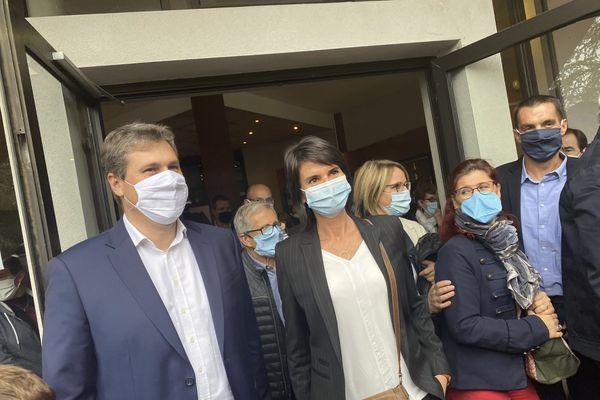 1021 grands électeurs sont appelés aux urnes ce dimanche 27 septembre à Privas. Ils devaient élire les deux sénateurs de l'Ardèche. Sans surprise Mathieu Darnaud (LR), sénateur sortant, a été réélu. Anne Ventalon (DVD) a également été élue dès le premier tour.