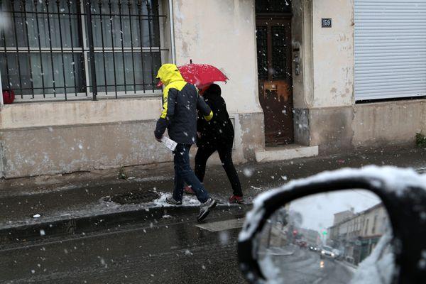 Une vague de froid s'abat sur la France, mais la région PACA devrait être plutôt épargnée.