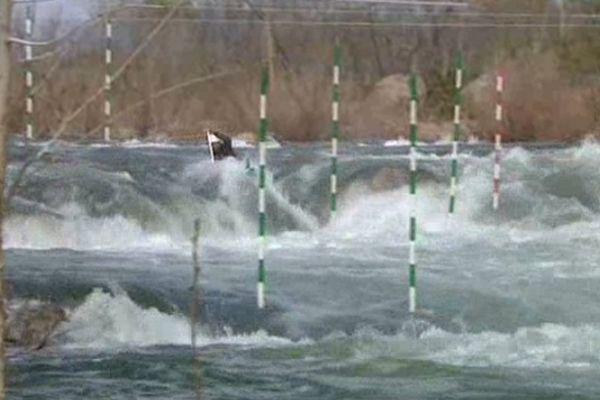 Trop d'eau, trop de danger : la compétition de canoë-kayak a été annulée