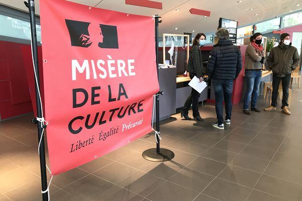 Le théâtre du Grand R occupé à La Roche-sur-Yon