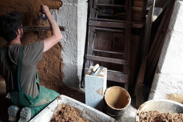 Si le concept de chantier participatif arrive juste en Limousin, il est déjà très développé dans d'autres régions, comme la Bretagne