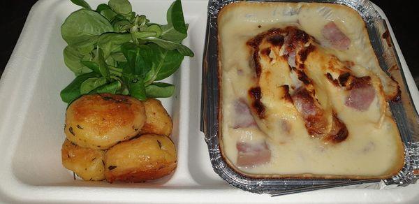 Jambonneau de porc gratiné au Chaource de la fromagerie de Chaource à emporter, Auberge sans nom à Chaource