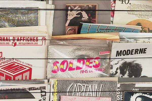 A la Fanzinothèque de Poitiers, on trouve des fanzines informatifs, et des fanzines graphiques, véritables objets d'expression artistique