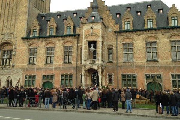 Bailleul, 500 personnes devant le beffroi, 11 janvier