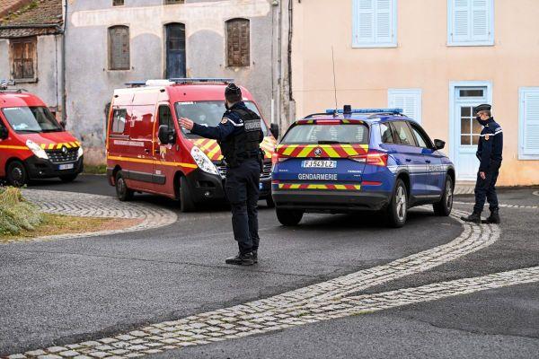 Dans la nuit du mardi 22 au mercredi 23 décembre, 3 gendarmes ont été tués et un quatrième blessé par un forcené à Saint-Just dans le Puy-de-Dôme.