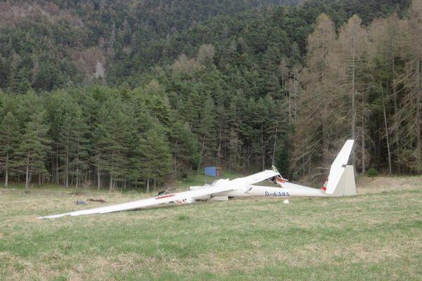 Le planeur s'est crashé à proximité de l'aérodrome de Saint-Gaudens - Montréjeau sur la commune de Clarac en Haute-Garonne.