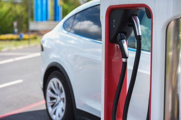 A la fin du premier trimestre 2021, on comptait environ 36 900 bornes de recharge en France.
