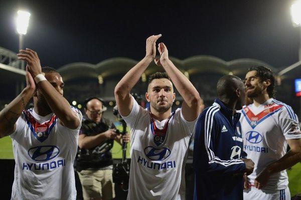 Jordan Ferri et ses co-équipiers après la victoire sur le PSG...
