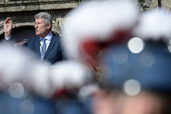 """Philippe de Villiers poursuivait deux historiens en diffamation, autour de """"l'anneau de Jeanne d'Arc"""""""