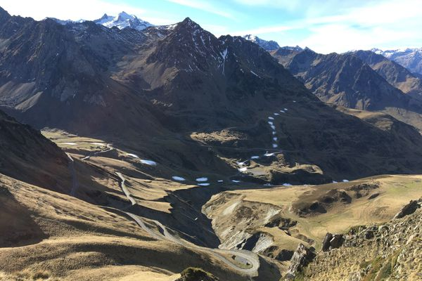 Que sont réellement ces points blancs sur les Pyrénées ?